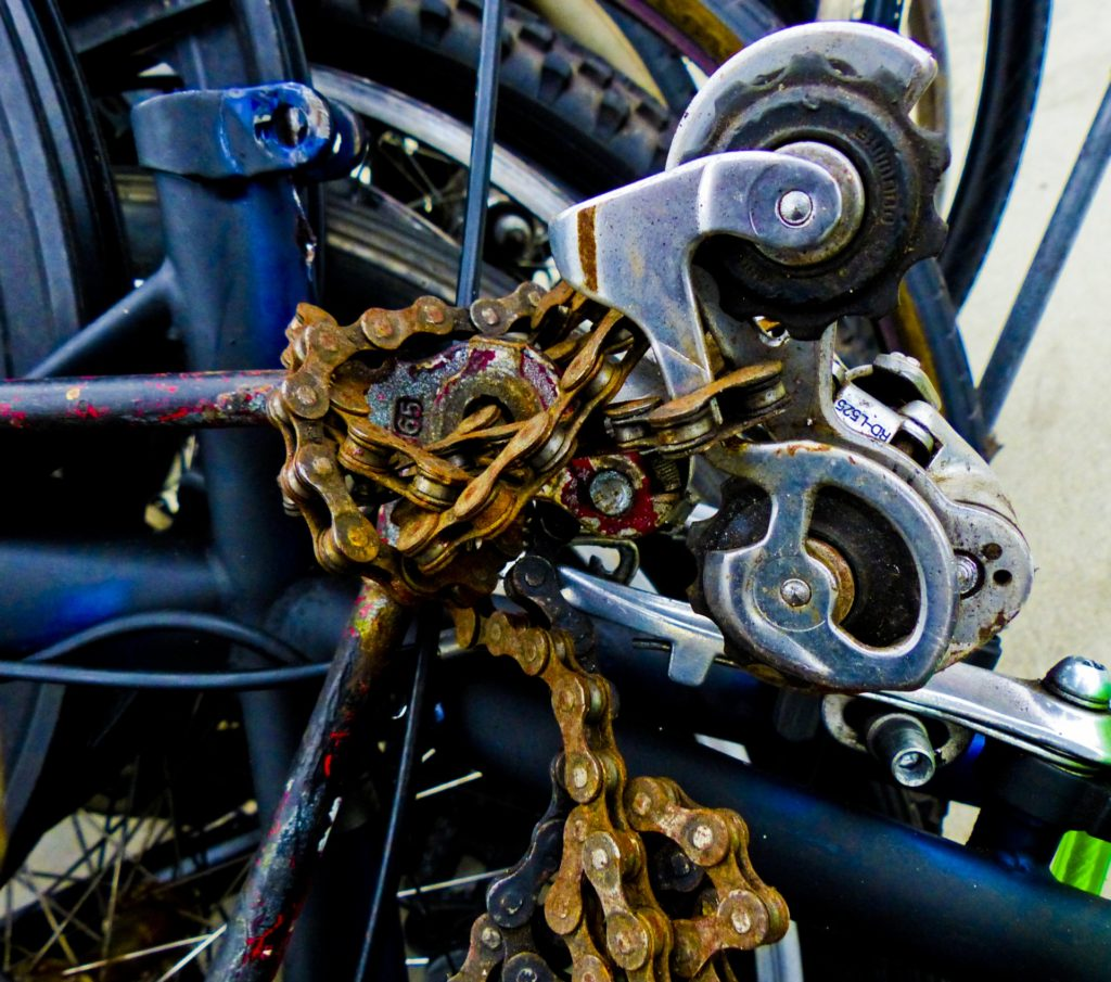 broken bike chain